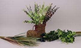 Искусственные ветки, травы