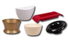 Пластмасові миски підставки та кашпо для композицій