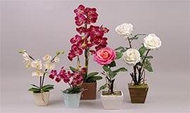 Штучні квіти в горщиках