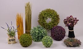 Кулі, вінки, квіткові композиції