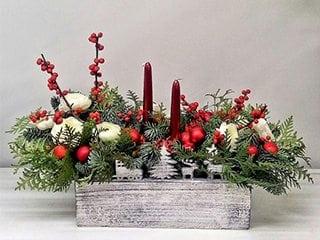 Праздничные композиции из веточек сосны, ели к Рождеству, Новому году