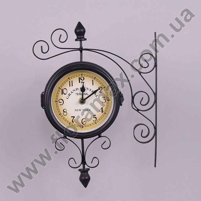 Часы нужны, как прибор для определения временных интервалов и имеют особенную смысловую глубину.