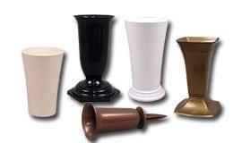 Пластмассовые вазы